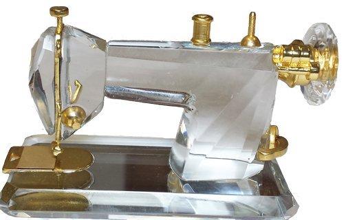 Cristal figura de máquina de coser en caja de regalo
