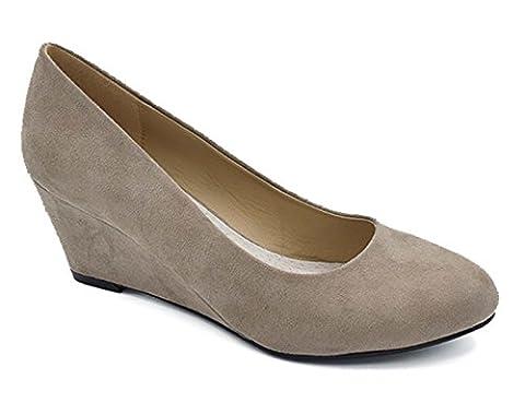 Greatonu Women's Formal Office Wedge Platform Mid Heel Dress Court Shoes ( EU 38 Beige Suede)