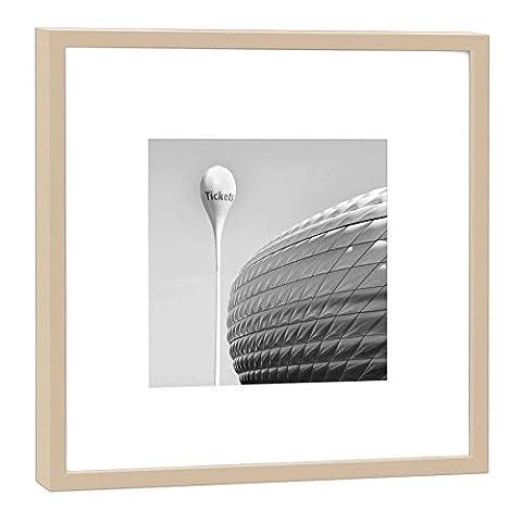 Fotografie im Holzrahmen: Allianz-Arena München - Fotodruck - Format 52 x 52 cm - Rahmenfarbe beige - Hochwertiges Wandbild, Geschenkidee oder Souvenir aus dem Freistaat Bayern