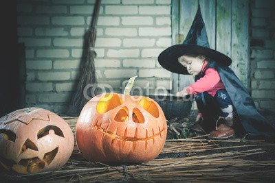 druck-shop24 Wunschmotiv: Little witch making a magic potion at Halloween night. Horror. #122803448 - Bild als Foto-Poster - 3:2-60 x 40 cm/40 x 60 cm