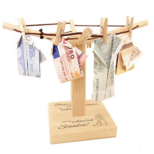 Casa Vivente – Wäsche-Spinne aus Holz mit Gravur zur Hochzeit – Bleibt einander stets verbunden – Motiv: Brautpaar – kreative Verpackung für Geldgeschenke – Hochzeitsgeschenke – Maße: 20 x 12 cm
