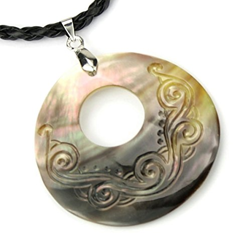 pendentif-en-nacre-gravee-de-tahiti-medaillon-cercle-poka