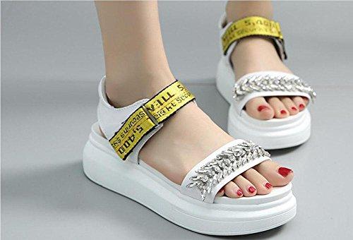 scarpe di cuoio dei sandali di modo fondo pesante aumento degli studenti per il tempo libero dei sandali cinghia selvaggia Yellow