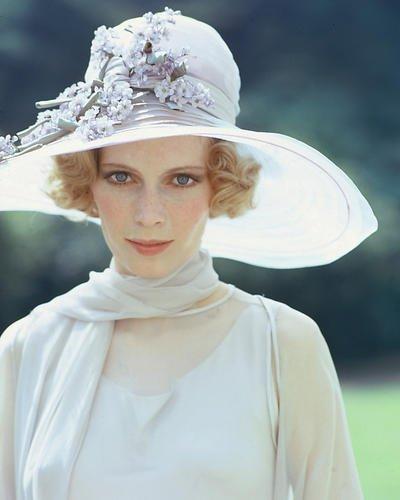 Moviestore Mia Farrow als Daisy Buchanan in The Great Gatsby 36x28cm Farbfoto (Gatsby Great Daisy)