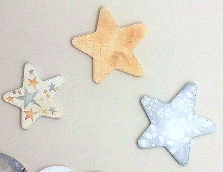 Siluetas estrellas (juego 3 unidades), en DM para pintar. Tamaño pequeño.