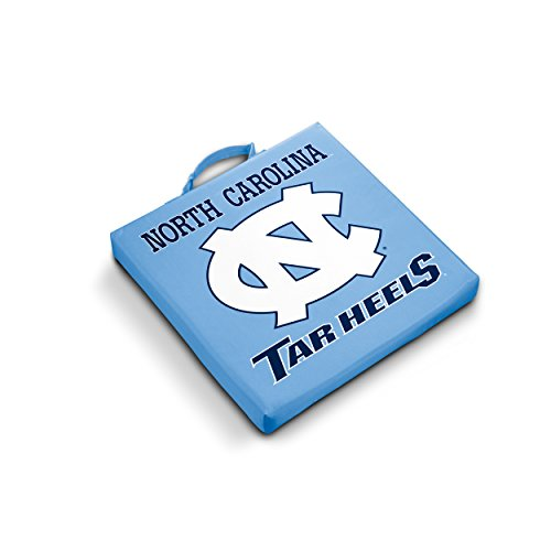 NCAA Tribüne (Architektur) Kissen by Logo Marken, North Carolina Tar Heels