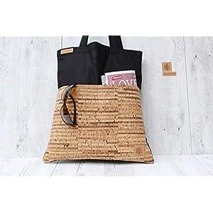 Shopper aus Baumwolle in SCHWARZ mit 2 Außentaschen aus Kork-Leder in STRIPES.