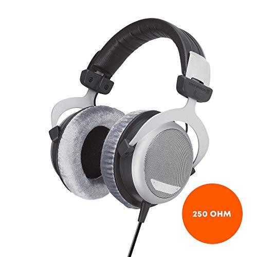 beyerdynamic DT 880 PRO Over-Ear-Studiokopfhörer in schwarz. Halboffene Bauweise, kabelgebunden