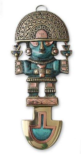 NOVICA Bronze archéologique et mur Cuivre Peinture murale, métal et vert « Lucky Tumi » Bronze/Cuivre