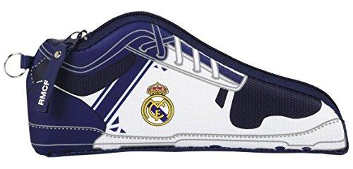 Real Madrid – Estuche portatodo Forma Zapatilla, 1ª equipacion Temporada 2016/2017 (SAFTA 811654584)