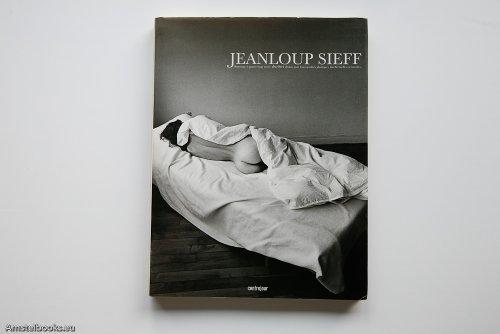 Hommage à quatre-vingt treize derrières choisis pour leurs qualités plastiques, intellectuelles ou morales par Jeanloup Sieff