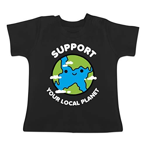 pport Your Local Planet - 3-6 Monate - Schwarz - BZ02 - Baby T-Shirt Kurzarm ()