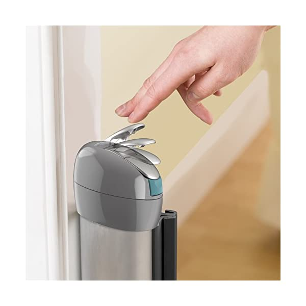 Summer Infant Retractable Gate  Hardware mounted for added security and use at top of stairs or between rooms (hardware included) 76 cm tall and fits openings up to 127 cm Simple locking mechanism, push down to lock and pull up to unlock 6
