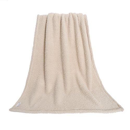 furrybaby Premium Fluffy Fleece Hunde Decke, weiches und warmes Plüschspielzeug für Hunde und Katzen (L 100x120cm, Beige)