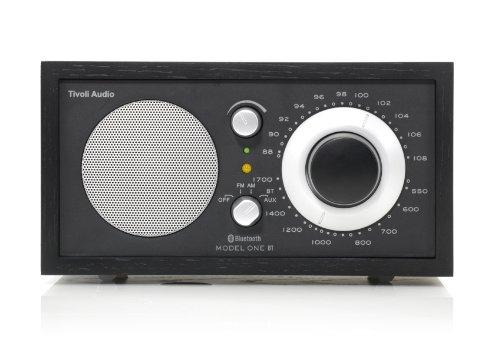 Tivoli Model One Bluetooth UKW-/MW-Radio in Schwarz/Schwarz/Silber