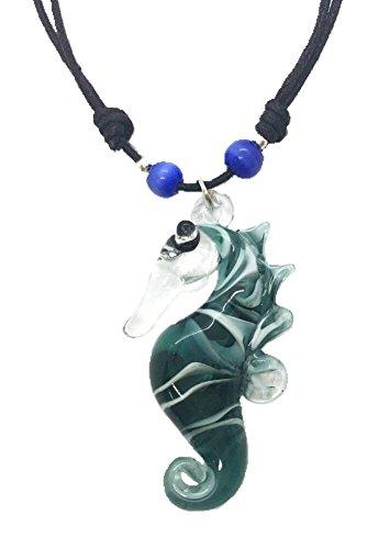 Hand Art Glass, handmade Sea Horse Art Glas geblasen Tier Figur Anhänger Halskette Schmuck–Modell, von Amata Kufu Elegant. (N0048)