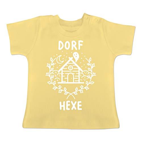 (Anlässe Baby - Dorfhexe Halloween - 6-12 Monate - Hellgelb - BZ02 - Baby T-Shirt Kurzarm)