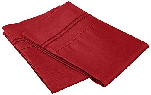 Superior - Superweiches, leichtgewichtiges/knitterfestes Kopfkissenbezugsset mit 2 gestickten Linien, 51 x 76 cm, 100 % gebürstete Mikrofaser, Rot (Burgund), 2-teilig - Satin Gesticktes A-linie
