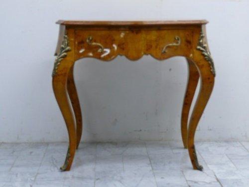 Table baroque table d'appoint de style antique Louis XV MoAl0177