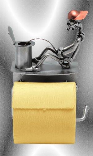 """Boystoys HK Design - Toilettenpapierhalter """"Boys pinklen sitzend"""" Metall Art Klopapierhalter - Original Schraubenmännchen Kollektion - handgefertigte Geschenkidee"""