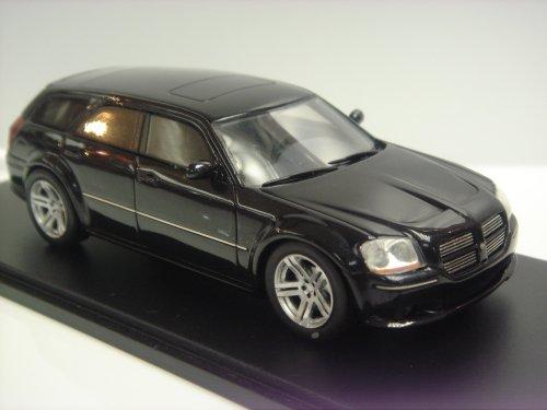 spark-model-s0872-dodge-magnum-srt-8-2006-black-143-auto-stradali