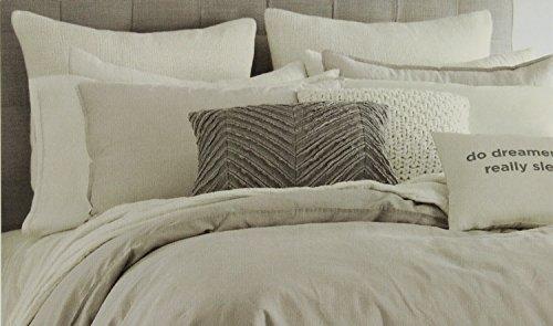 Kenneth Cole Reaction Home Standard Größe Kissen Sham aus der Mineral Betten Sammlung in einer Oatmeal Farbe -