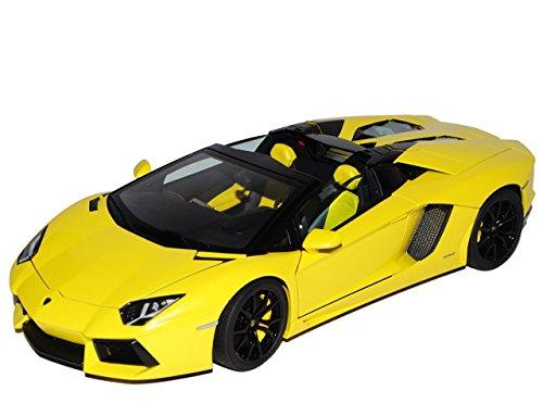 Preisvergleich Produktbild Lamborghini Aventador LP700-4 Roadster Cabrio Gelb Ab 2011 74699 1/18 AutoArt Modell Auto