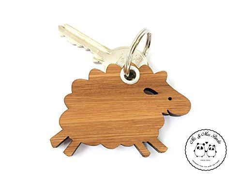Preisvergleich Produktbild Mr. & Mrs. Panda Schlüsselanhänger Schaf - 100% handmade in Norddeutschland - Schaf, Schlüsselbund, Tiere, Bambus, Glücksbringer, Tier, Schenken, Anhänger, Hof, Geschenk, Holz, Bauernhof