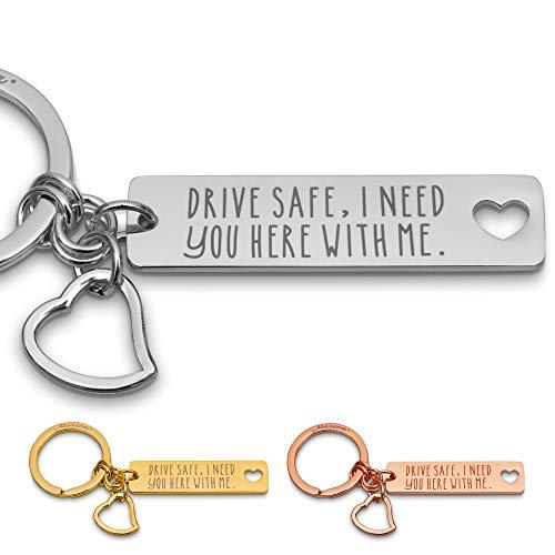 Merica Edler Schlüsselanhänger mit Gravur + Herz - Drive Safe I Need You here with me - Auto Schutzengel Lieblingsmensch Paare Männer Frauen (Silber)