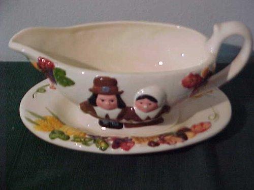 the-pilgrim-pair-thanksgiving-gravy-boat-by-publix-by-publix