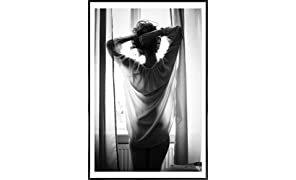 """JUNIQE® Pictures with frames 60x90cm Black & White Erotic - Design """"Ästhetik"""" (Format: Portrait) - Wall art, Framed prints & Framed posters by independent artists - Photography & photo art - Designed by Picture On The Fridge"""