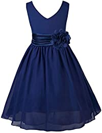 Fille en robe de soiree