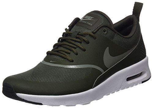 Nike Damen Air Max Thea Gymnastikschuhe, Grün (Cargo Khaki/Dark Stucco/Black 310), 42.5 EU (Basketball-tennis-schuhe Frauen)