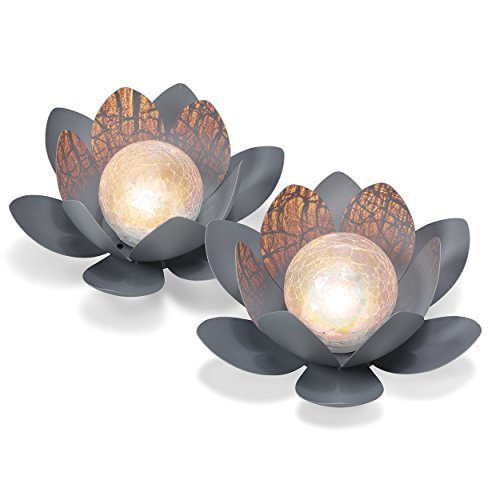 Dekoratives Solar Lotusblüten 2er-Set aus Metall mit Glaskugel - angenehm warmweißes Licht mit 2700K - traumhafte Lichteffekte bei Nacht dank Bruchglasoptik - (D x H): 27,0 x 9,0 cm - Solarlampe Gartenbeleuchtung Lotusblume Leuchtkugel, esotec 102087