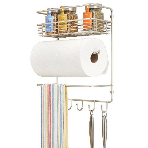 mDesign Portarrollos de cocina – Soporte de pared metálico para rollos de cocina con estantes para especias – Práctico dispensador de papel que ahorra espacio – plateado mate