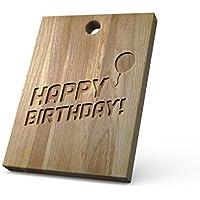 """Tabla de cortar de madera personalizada ideal para picar/cortar o presentar los alimentos que prepares, hecha de roble macizo de alta calidad. Un regalo perfecto para amigos y familiares - con el diseño """"Happy Birthday"""""""