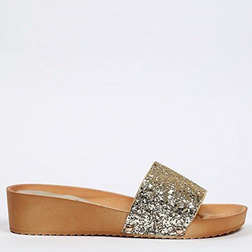 Ideal Shoes - Nu-pieds effet pailleté Fadia Doree