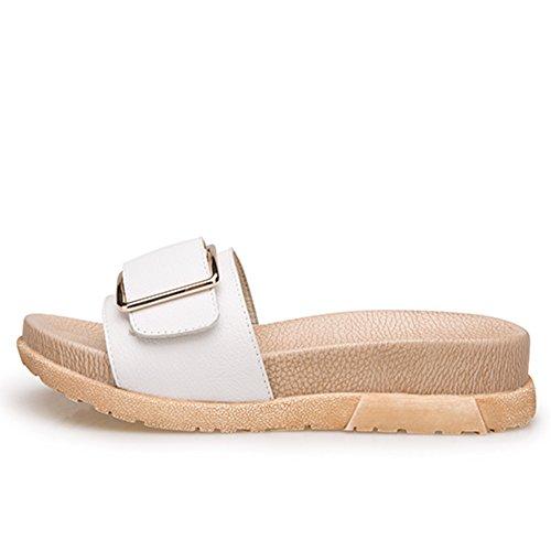 La moda estiva indossa un fondo spessore dei sandali di parole/Pattini in pelle di cuoio genuino fibbia B