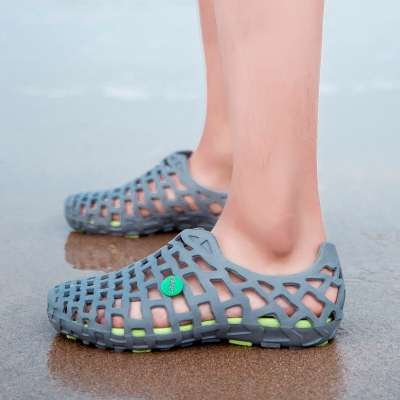 Xing Lin Sandales Pour Hommes Hommes Chaussures DÉté Trou Chaussons Chaussures De Plage Hommes Couple De Grande Taille Chaussures Hommes Sandales Baotou Grey green