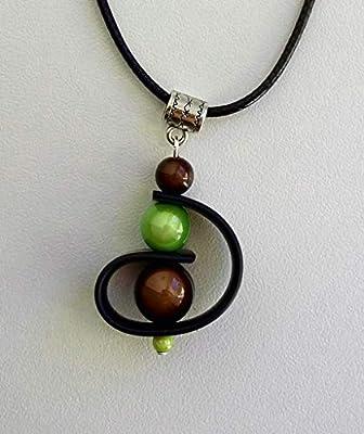 Pendentif buna perles vertes et marrons