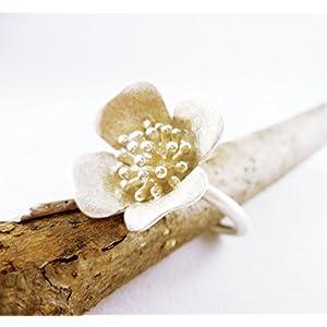 Mattierter Silberblütenring in Größe 58