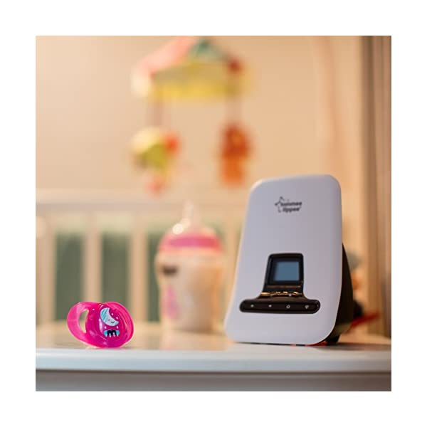 Tommee Tippee Digital Sound Monitor Tommee Tippee Digital Enhanced Cordless Technology (DECT) offers interference-free monitoring Rechargeable docking station for flexible and portable use Easy-to-read LCD screen with room temperature displayed on both units 6