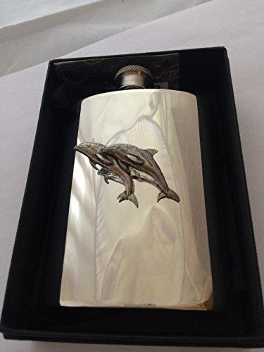 Superbe 4 oz Flasque de hanche en étain Réf a38 une Double Dauphin EMBLEME livré avec au milieu PRIDEINDETAILS une boîte cadeau