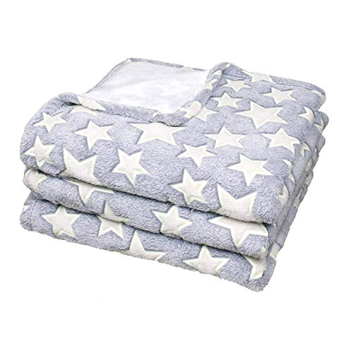 Delindo Lifestyle Kuscheldecke Sterne Grau, Microfaser Coral-Fleece-Decke in 150x200 cm, Flauschig Weiche Wohndecke für Erwachsene und Kinder