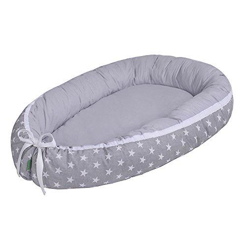 LULANDO multifunktionales Babynest Kuschelnest Babynestchen (80 x 45 cm). Weiches und sicheres Baby-Reisebett Babybett Nestchen für Neugeborene. Farbe: White Stars / Grey