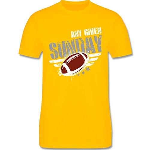 Shirtracer American Football - any Given Sunday Football - Herren T-Shirt Rundhals Gelb