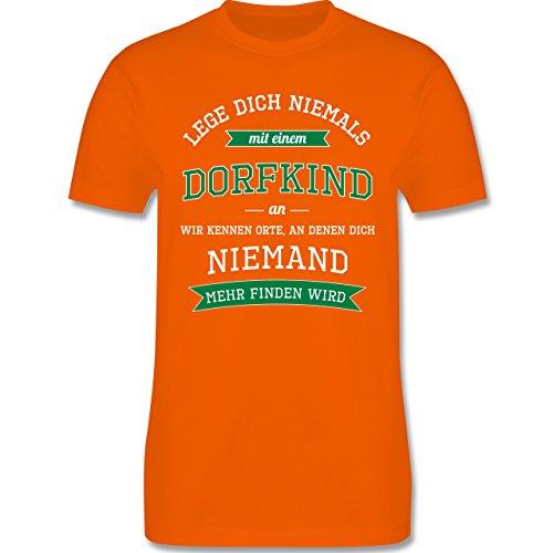 Sprüche - Lege dich niemals mit einem Dorfkind an - Herren Premium T-Shirt Orange