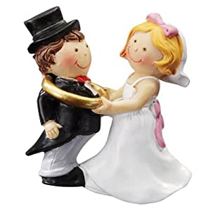 Coppia di sposi hocht tempo coppia di sposi con anello for Decorazioni torte 2d