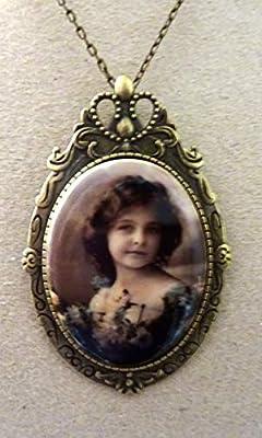 pendentif broche camée porcelaine vintage rétro bronze