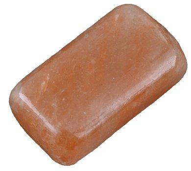 salzhandstein-salz-seife-sudlich-vom-himalaya-ideal-fur-peeling-und-sauna